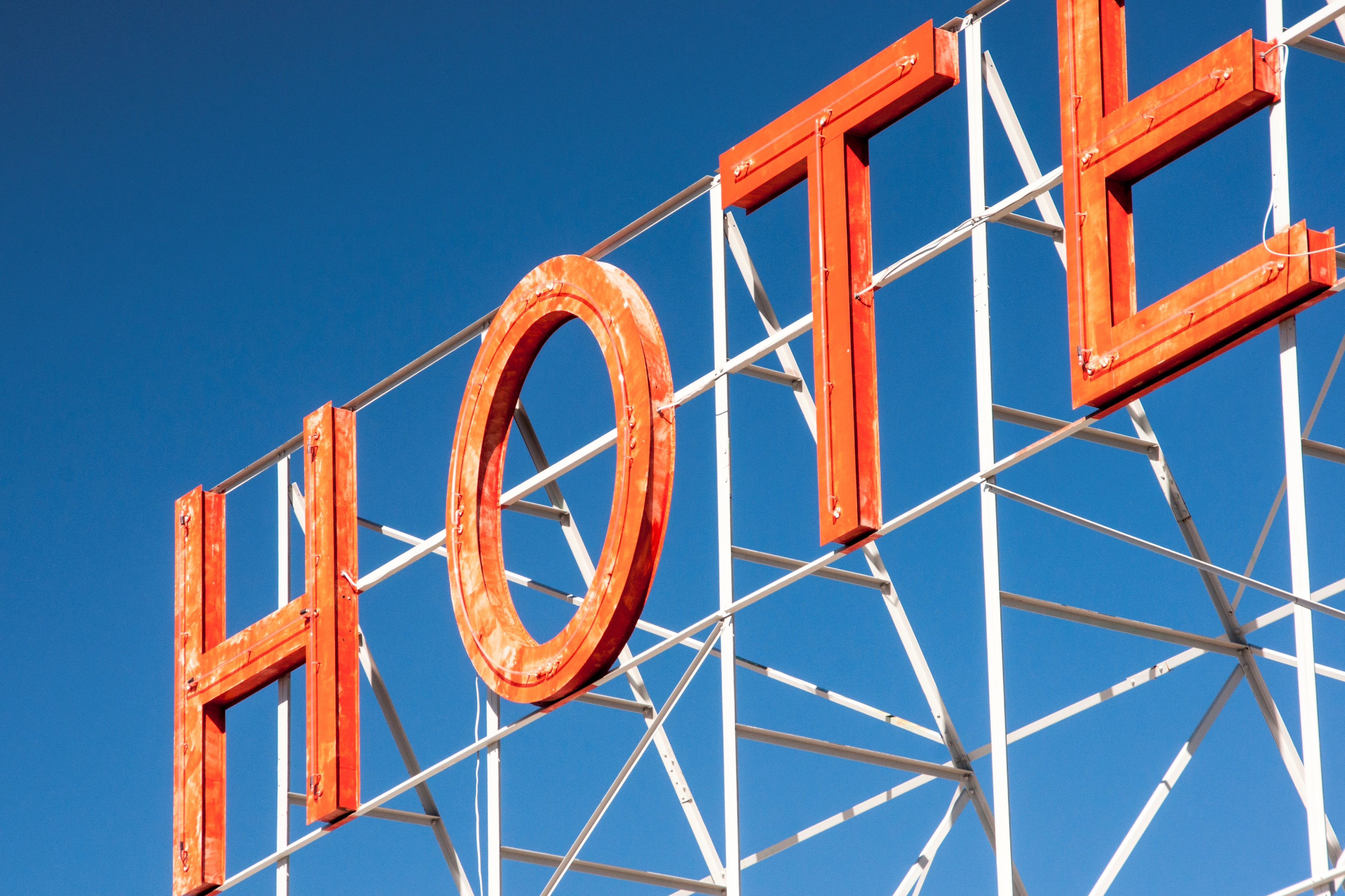 hotel-sign-neon-letters-1